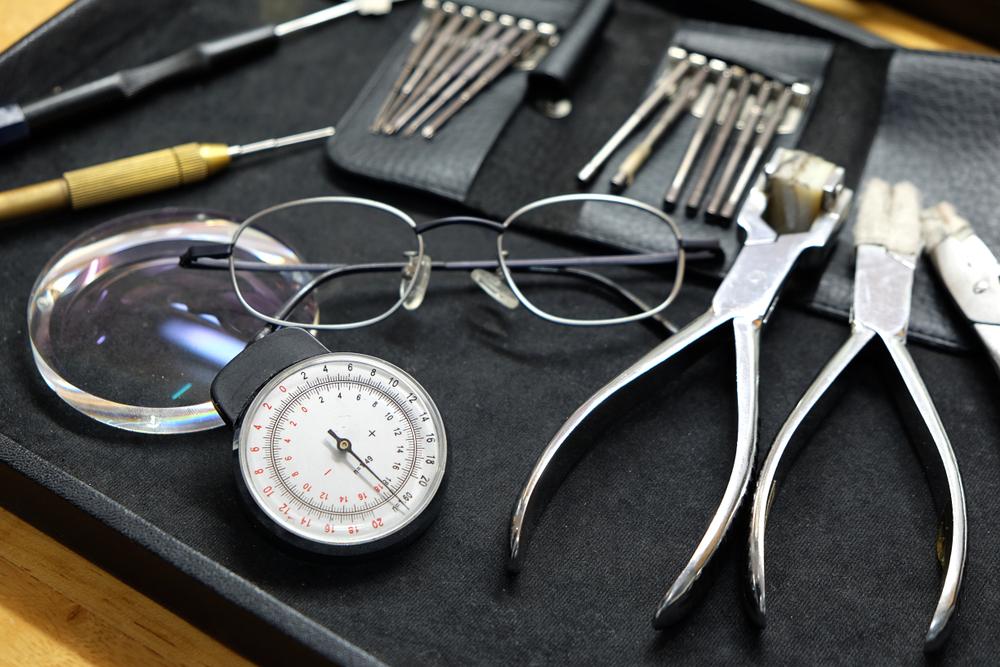 https://www.fionawattoptometrists.co.uk/eyewear/frames-spectacles-lenses/